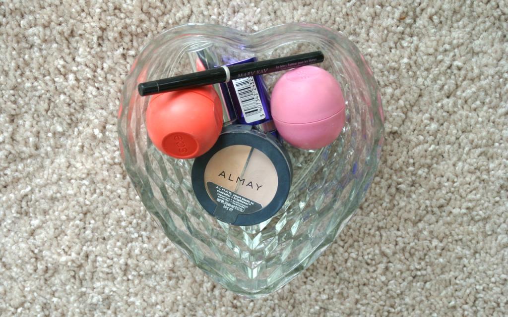 Mini Makeup Declutter
