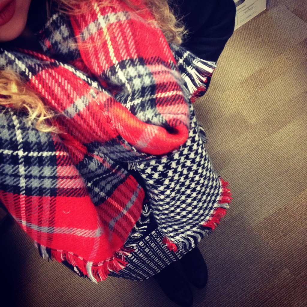 Instagram Outfit Express Scarf